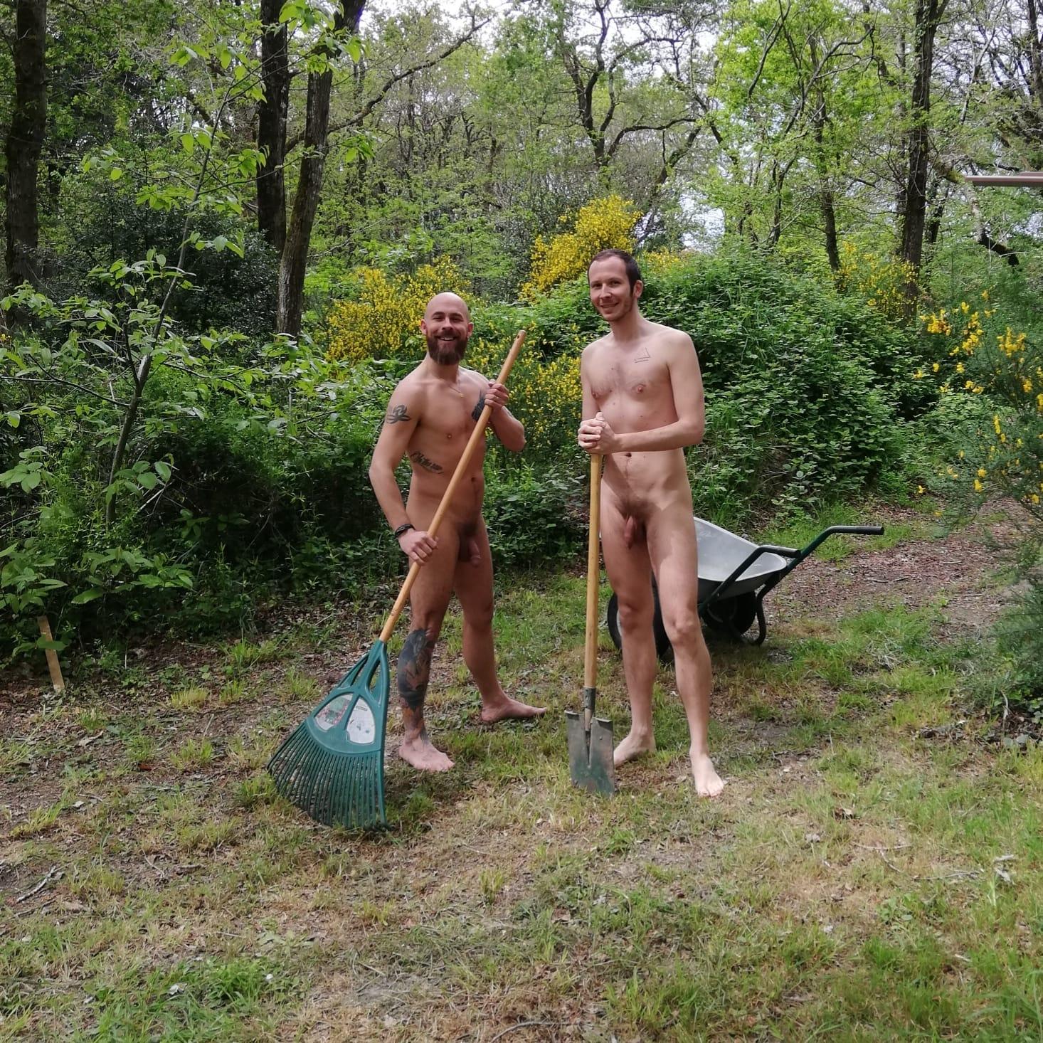 Samedi 4 mai, Journée mondiale du jardinage nu !