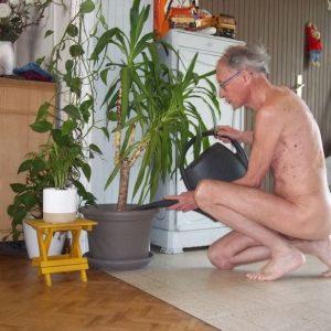 Jardinage Nu 2020 Sunkini