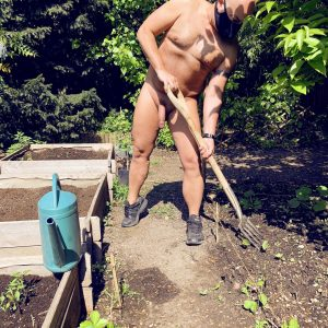 Jardinage nu Marc S